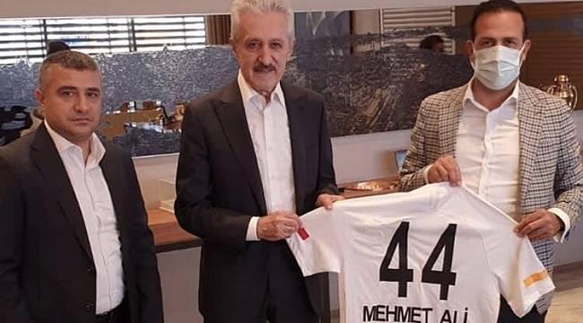 Başkan Gevrek, Mehmet Ali Aydınlar'ı Ziyaret Etti