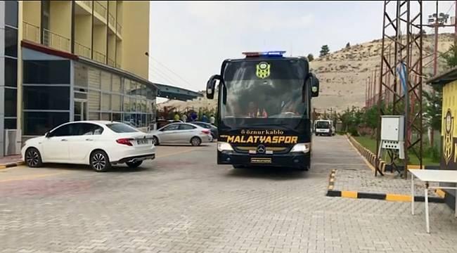 Yeni Malatyaspor Adana'ya Gitti